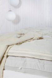 Queen Wool Mattress in 2 side-by-side pieces 4