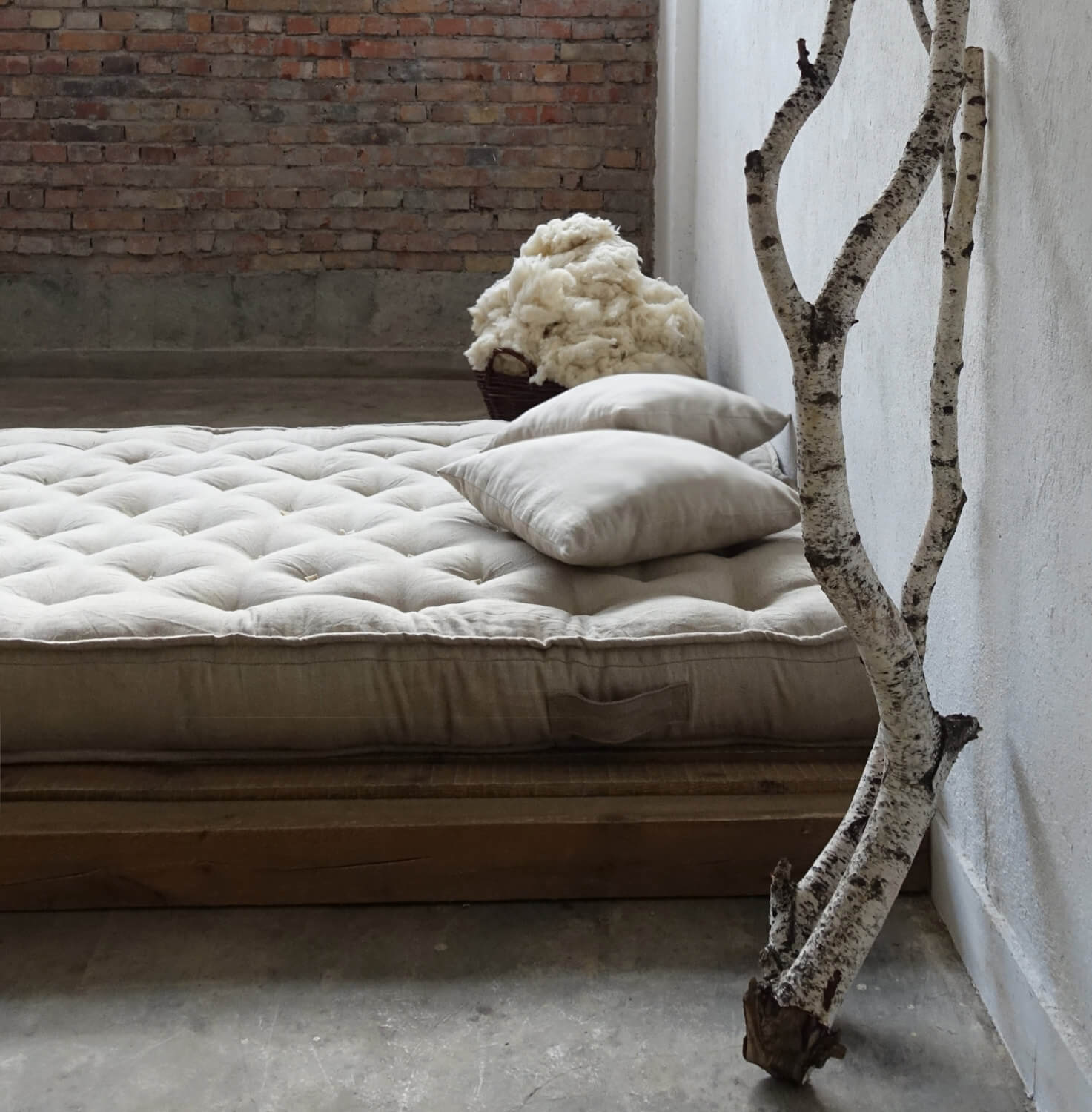 Mattress in 100% linen, with piped edges
