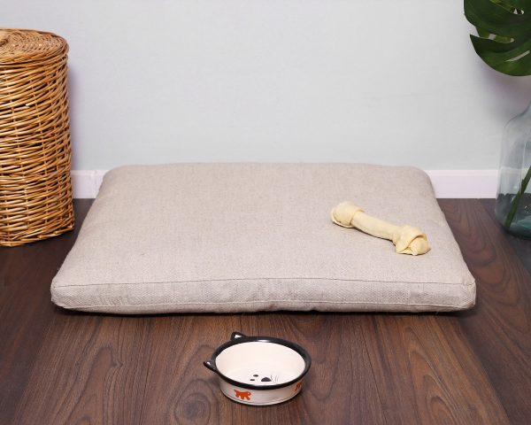 natural pillow-like pet bed