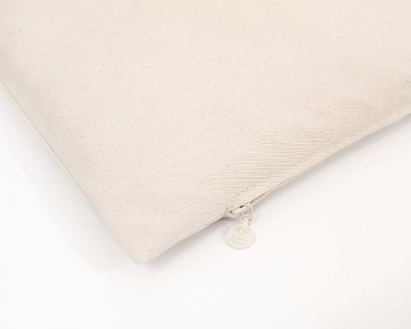 non-toxic wool play mat - zipper detail