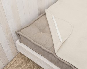 Natural Wool Mattress Protector - elastic strap detail