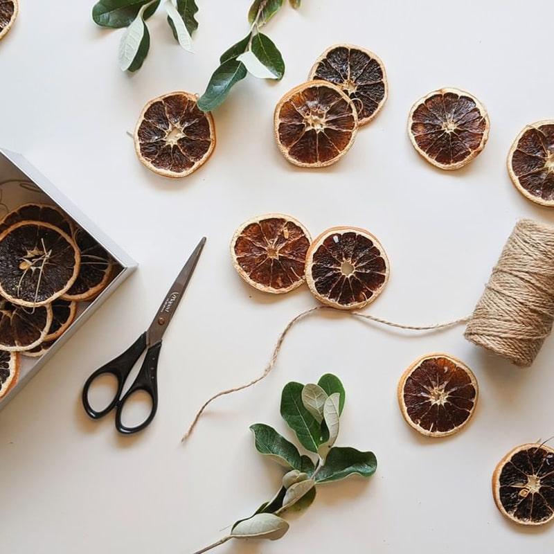 Holidays Go Zero Waste - dried oranges as decoration